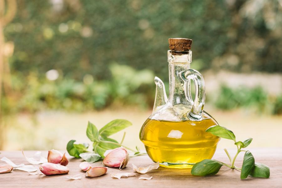 El aceite de oliva es la gran aportación exterior de la producción del sector agrícola de nuestro páis.